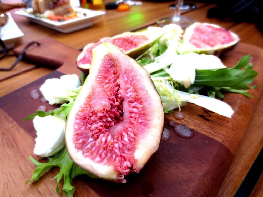Fig, Mozzarella and Endive Salad