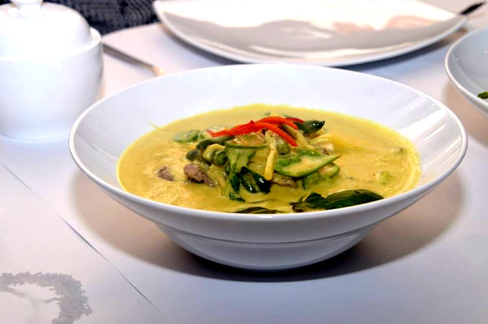 Green Beef Curry