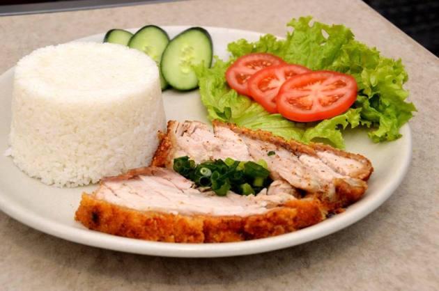 Broken Rice with Roast Pork and Crackling