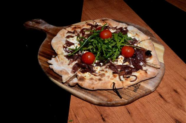 Caramelised Onion and Goats Cheese Pizzeta