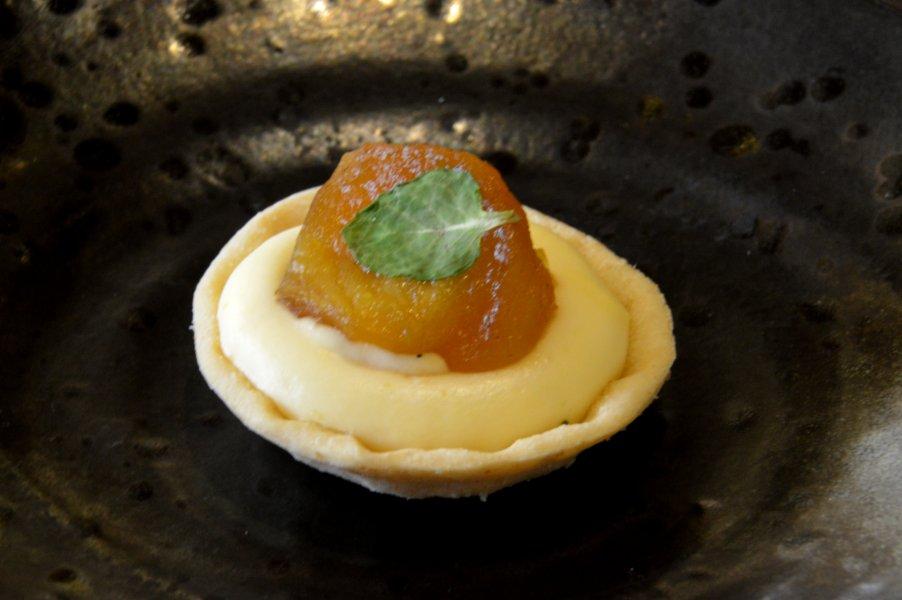 Mini Tart with Apple Jam